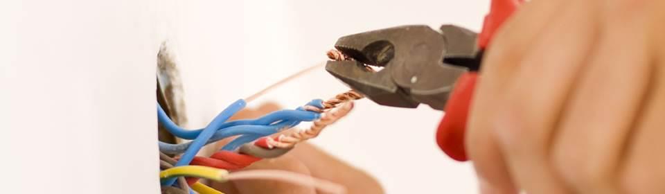 Knippen elektra kabels